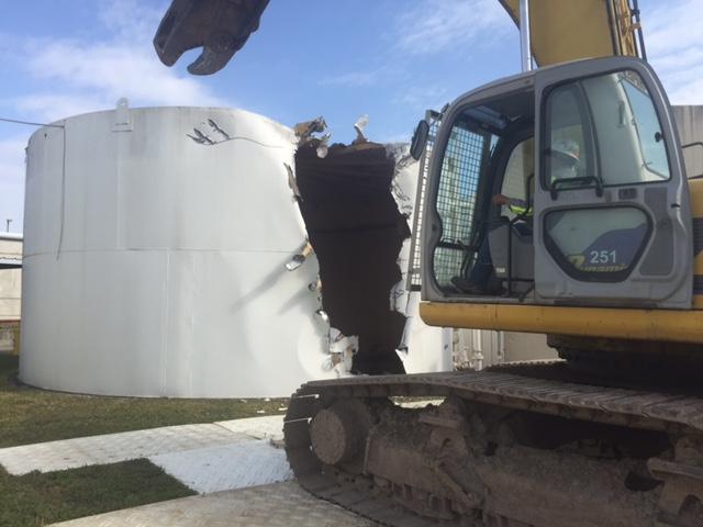 Water Tank Demolition : Desertview services inc